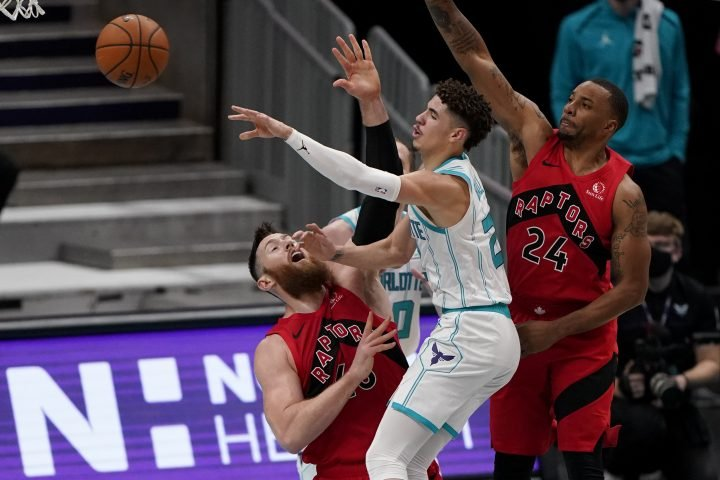 Toronto Raptors open pre-season with win over Charlotte