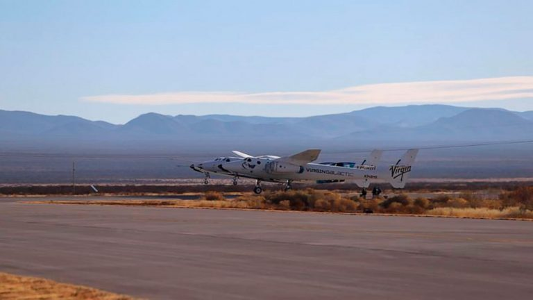'Lost connection' hampers Virgin Galactic's test flight